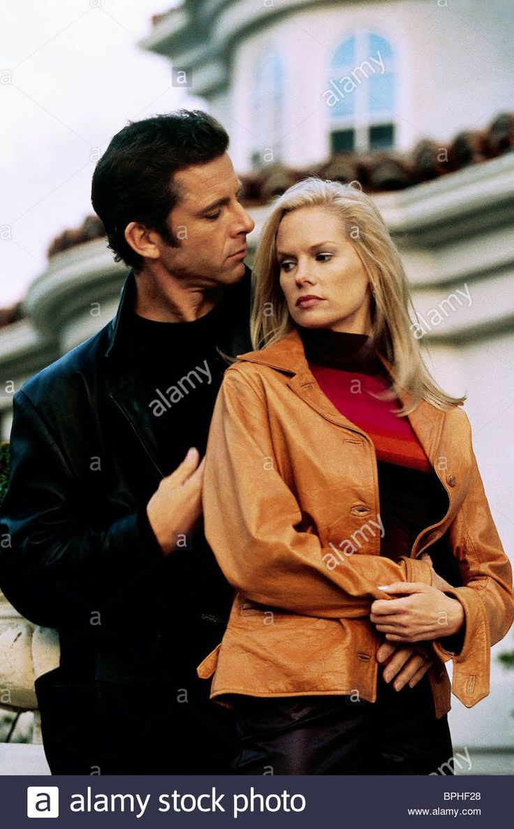 Download this stock image: MAXWELL CAULFIELD & CYNTHIA PRESTON FACING THE ENEMY (2001) - BPHF28 from Alamy's library of millions of high resolution stock photos, illustrations and vectors.