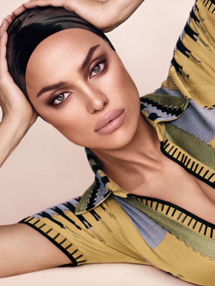 Espetacular Editorial com Irina Shayak em Estilo Esportivo para Vogue Japo Março 2017  Fragmentos de Moda