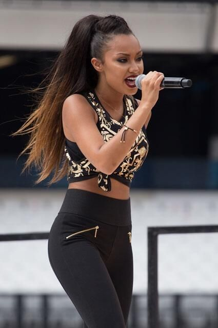 Leigh Annes hair is so nice♥ I love the colour, especially when its straight.