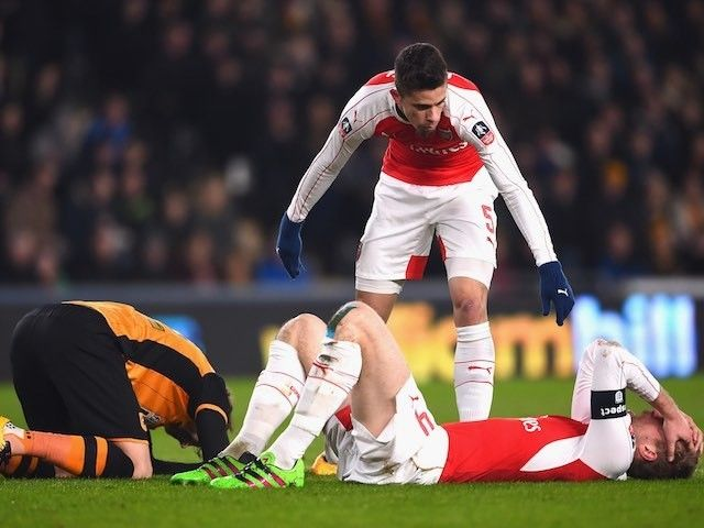 Arsene Wenger: 'Gabriel Paulista, Per Mertesacker available'