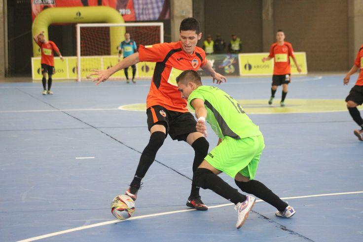 Más acción de la final entre Deportivo Lyon y Real Antioquia.