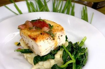 Get a cut of this halibut! Try this #halibut with lemon mashed #potatoes and garlic-lemon spinach recipe!