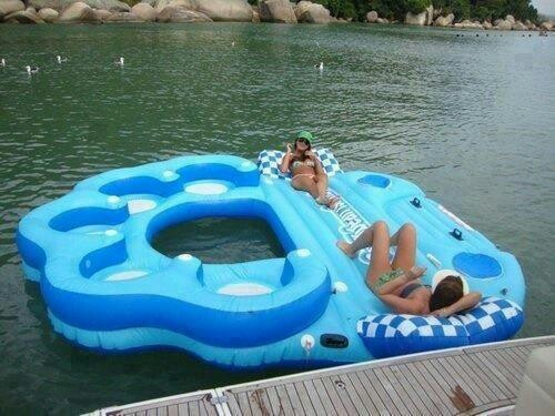 Inflatable Party Raft... I wish i had one of these...and somewhere to use it :-P