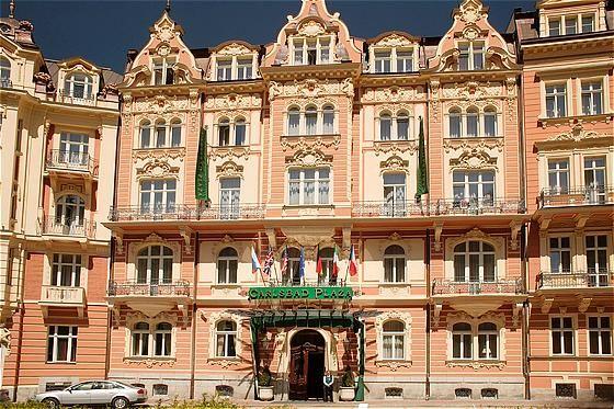 Зигмунд Фрейд весной любил останавливаться в Carlsbad Plaza, одном из трех лучших отелей Чехии:    http://luxehw.ru/europe/czech-republic/karlovy-vary/carlsbad-plaza.html