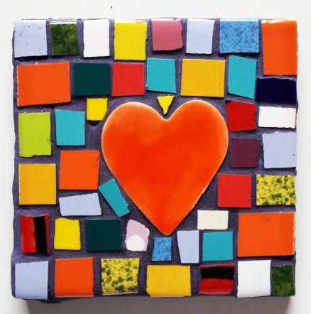 Grana Trencadis propone apliques con corazones para San Valentín - http://www.femeninas.com/corazones-san-valentin-decoracion/