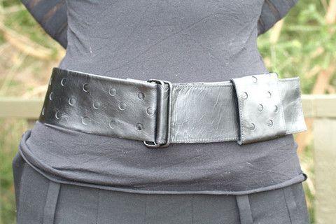 circle cutout belt - black