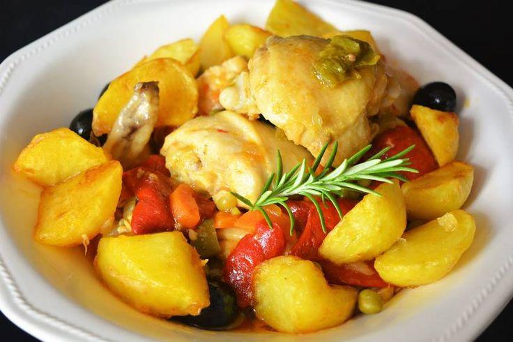 Receta de pollo a la jardinera, receta casera con #pimientosasados y #sofritodetomate @ibsabierzo #conservamoslanaturaleza