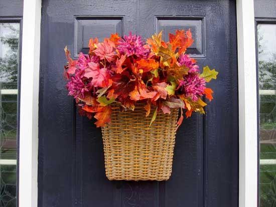 Fall-Basket-for-Door-Decor: Decor Ideas, Fall Front Doors, Fall Decor, Autumn Leaves, Fall Doors, Doors Baskets, Easili Decor, Baskets Ideas, Fall Baskets For Doors Decor