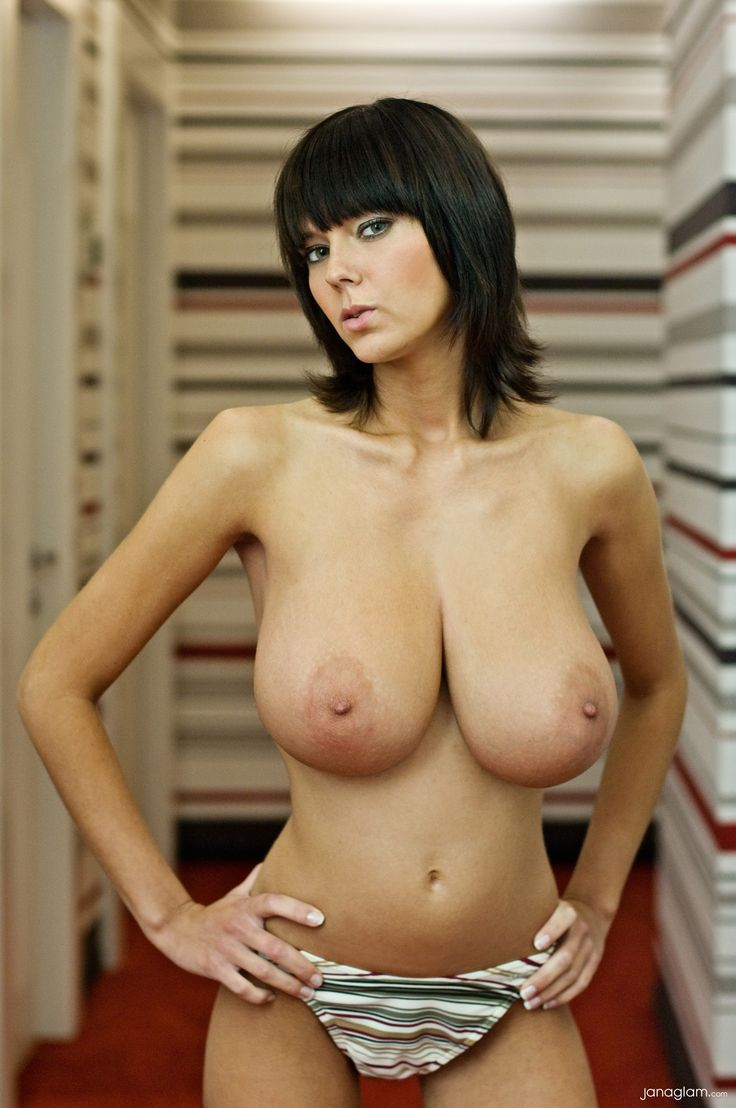 Naked ebony shaved pussy