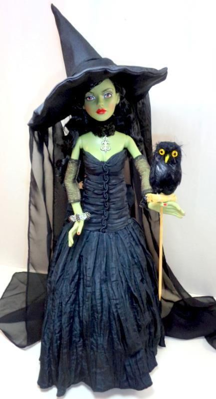 """WICKED WITCH OWL CHARMER w/Black Owl Tonner 19"""" Fashion Doll The Wizard of Oz - Other"""