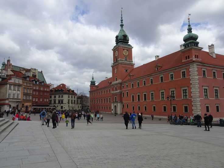 Warsaw Castle and town square