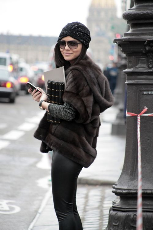 wonderful outfit.: Fur Coats, Faux Fur, Fur Jackets, Fall Wins, Street Style, Winter Looks, Leather Pants, Winter Chic, Fur Vest