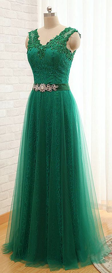 robe de gala verte longue dentelle délicate