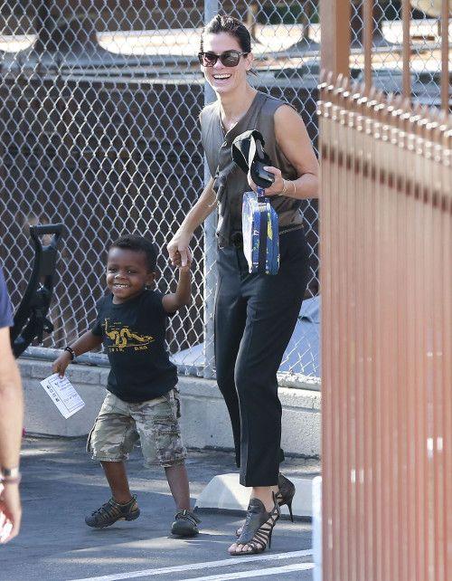 Sandra Bullock Puts Adoption Rumors To Rest