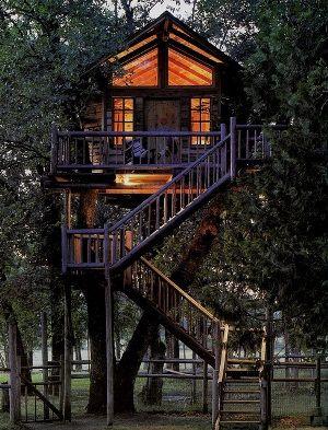 Conheça as 10 casas na árvore que você poderia ter em seu quintal
