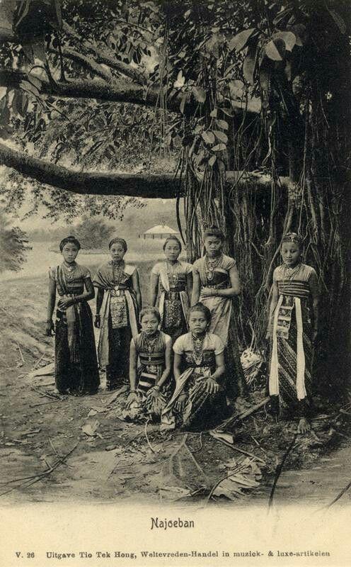 Najoeban danseressen op West-Java