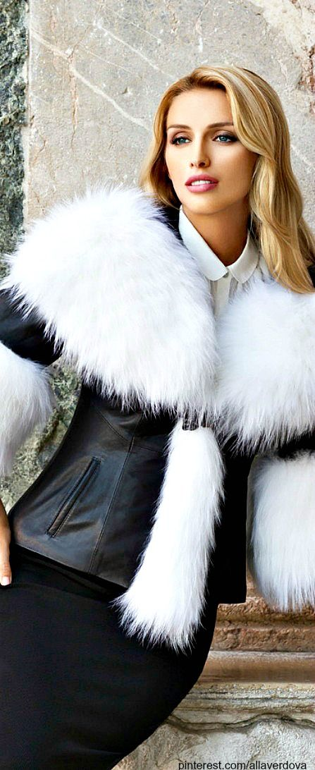 Luxurious and Chic -  Stunning in black and white ● LadyLuxury