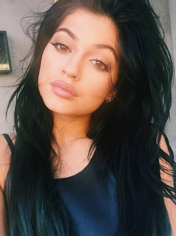 I'm obsessed with Kylie Jenner's make up look. Gorgeous