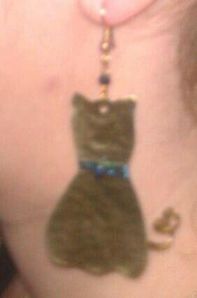 Γάτα σκουλαρίκι!!