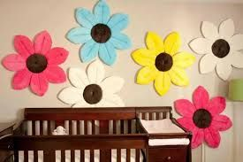 Deze bloem-babybadjes zijn ook leuk als decoratie op de muur.
