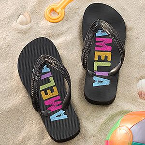 Personalized Flip Flops for kids -  these are GREAT! No more fighting over sandals! They have them in boy and girl colors and you can personalize them with any name! #flipflops #kidsshoesFlipflops Kidssho