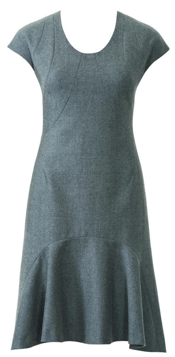 Платье со скругленными рельефными швами