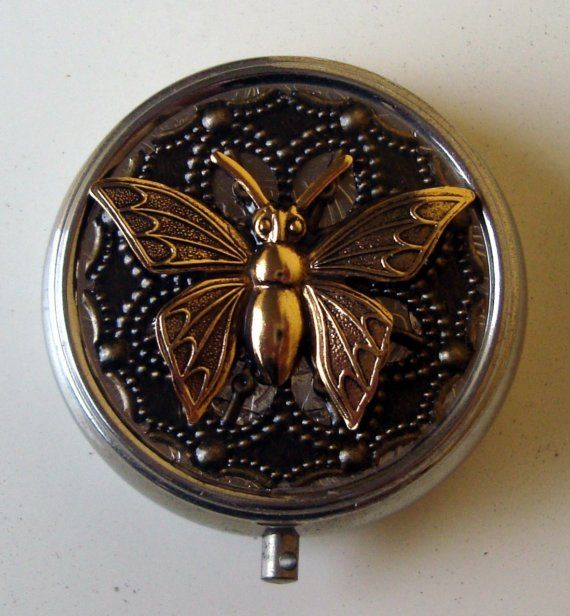 Victorian Steampunk Nectar's Nature Butterfly Pill Case Or Trinket Box op Etsy, 13,55 €