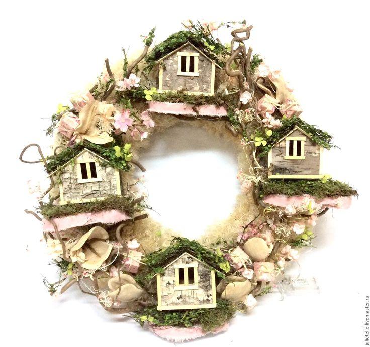 Купить Весенний веночек с домиками - бледно-розовый, венок, венок на дверь, домики, скворечник, дизайн