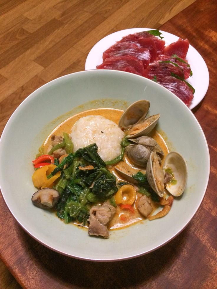 Matsaman curry, tuna sashimi.  Matsaman curry was selected as No. 1 of World's 50 most delicious foods by CNN in 2011 !!