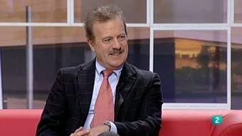 Para todos La 2 - Entrevista con Manuel Campo Vidal 21 feb 2012 Además de ser un conocido periodista, avalado por una larga carrera profesio... http://www.rtve.es/alacarta/videos/para-todos-la-2/para-todos-2-entrevista-manuel-campo-vidal/1328551/