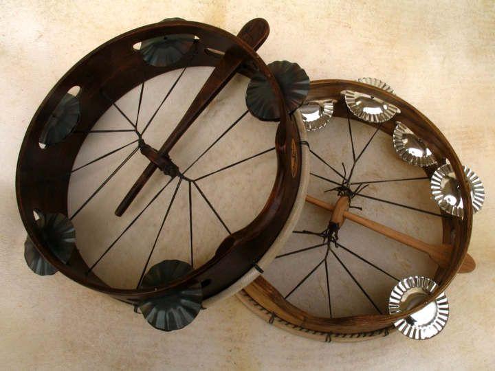 Experimentando cos instrumentos de percusión tradicional-Repandeireta