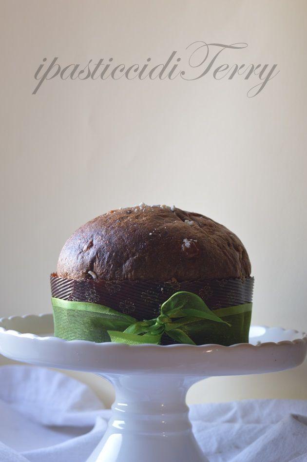 Eccovi la mia Colomba travestita da Veneziana per fare un pò di prove, prima di Pasqua. http://www.ipasticciditerry.com/la-mia-colomba-travestita-da-veneziana/