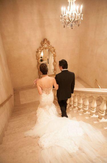 Marmor Treppen zeichnen sich durch ein zeitloses und imposantes Design aus.  http://www.werk3-cs.de/marmor-treppen