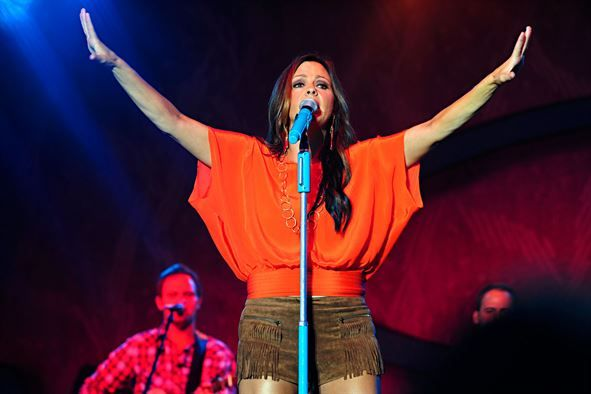 Sara Evans Has Partnered With CMT's Next Women Of Country For The Headlining 2018 'All The Love Tour'