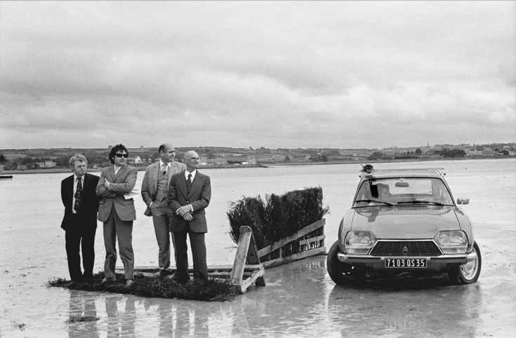 Brittany, Finistère nord. City of Plouescat. During a low tide, the bay of Kernic is used as a race track for horses. August 5th 1973