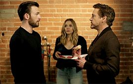 "OML IVE SEEN THIS CLIP IT IS SO FRICKIN FUNNY AND ADORABLE WATCH IT BAHAHAHAHAHAHA ITS CALLED "" CIVIL WAR - Chris Evans vs Robert Downey Jr (The Last Doughnut)"" I LOOOOVE IT"