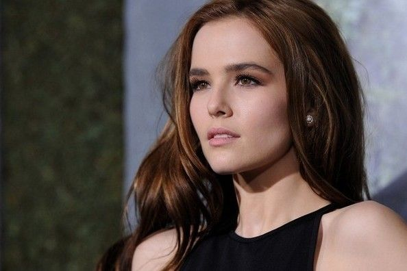 Zoey Deutch - love her makeup in this look