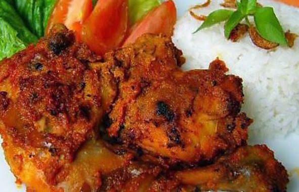 Surinaams: Ayam Panggang Rujak: Hete geroosterde Javaanse kip