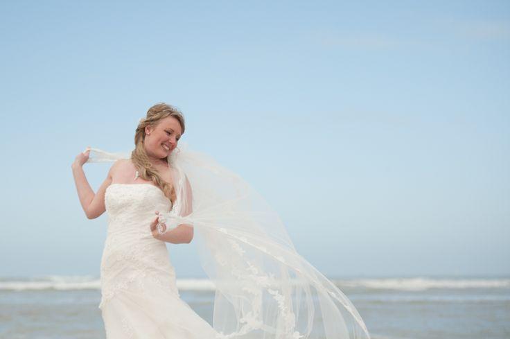 Wedding photography, veil, beach, strand, #WeddingPhotography, #DenHaag, Kijkduin, Nederland, bruidsfotograaf, trouwfotografie   www.witfoto.nl   Wit Photography | Wedding photography Den Haag: Nathalie + Rick