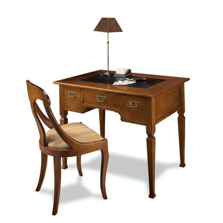Escritorio clásico pequeño, realizado artesanalmente en España por ebanistas tradicionales, en madera de cerezo y haya con tapa en curpiel negro. Ancho: 110 cm - Fondo: 70 cm - Alto: 88 cm