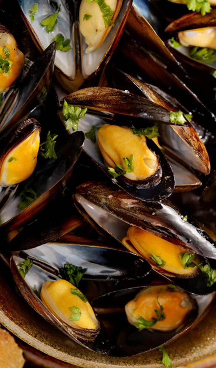 """Impepata di cozze (peppered mussels), (recipe attached). - """"15 foods that will make you think about summer (if you are a real Italian)"""""""