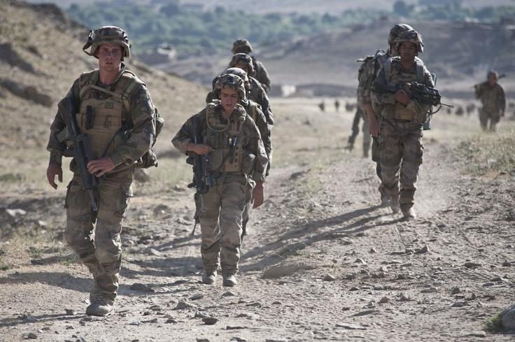 Groupe d'infanterie en patrouille. © armée de Terre #infanterie
