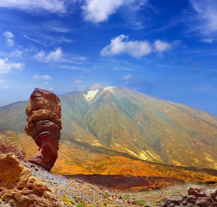 Volcán Teide en Tenerife - 3718m- Es la máxima altura de las montañas españolas.