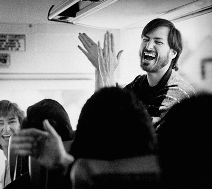 Candid Photos Of Steve Jobs, Bill Gates And Other Tech Titans Back In The  Early Days
