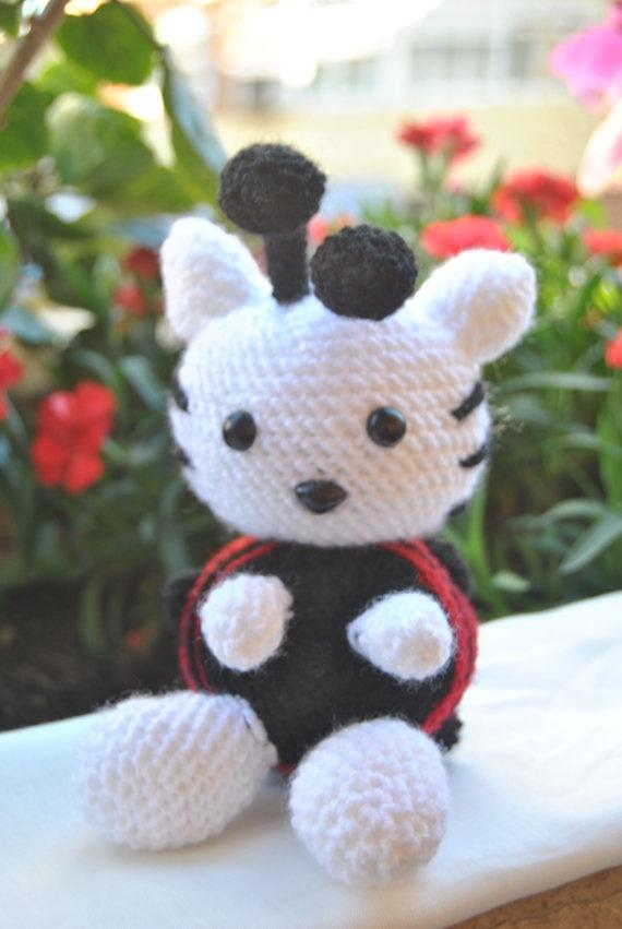 Kitty Mariquita Amigurumi : Hello Kitty Mariquita por mapishop en Etsy, ?10,00 mis ...
