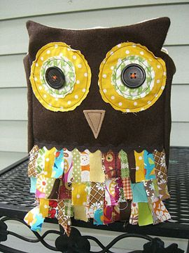 DIY owl treat bag. I want one for myself! - Could use  on a pillow.