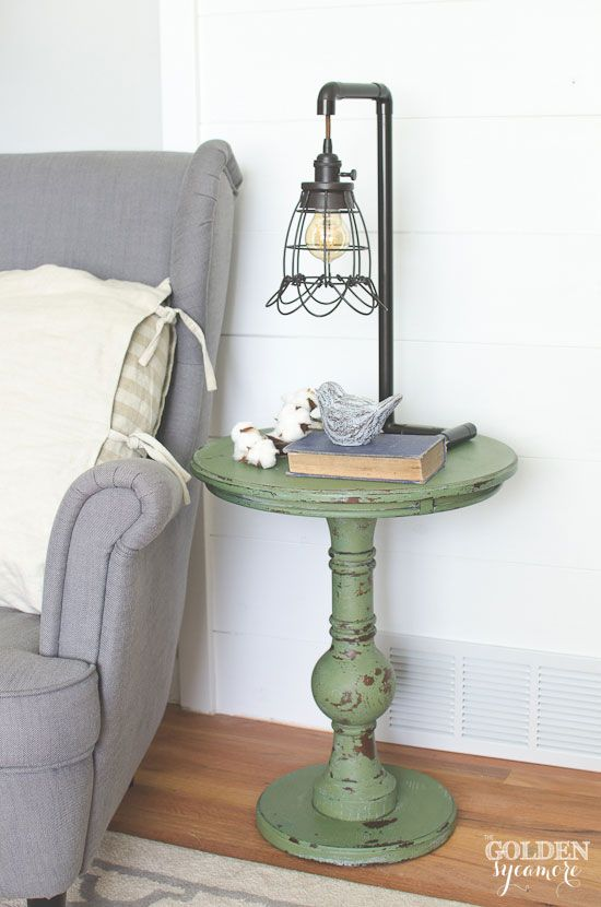 Boxwood milk paint end table. Adorable. That light