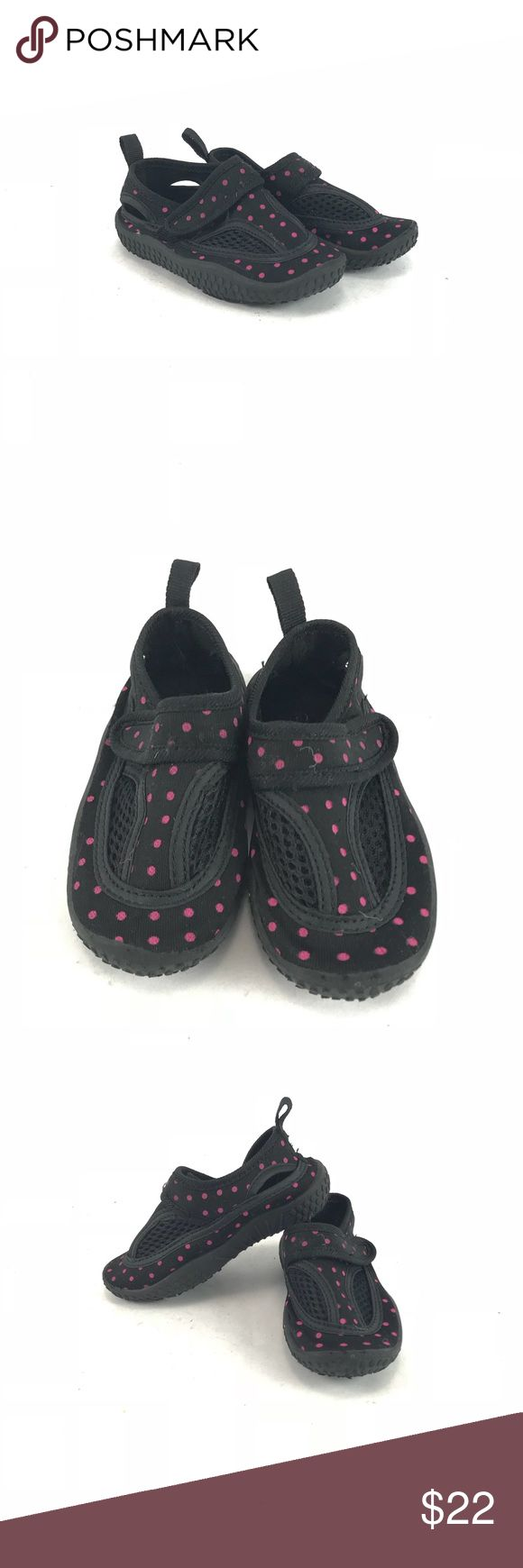 Black with pink polka dot Oxide girls water shoes The-owned girls black with pink polka dot oxide water shoes. Toddler girls size 6.  See pictures for condition. oxide Shoes Water Shoes