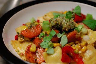 Eerst Koken: Ravioli met pistacheboter en mais, wortel en papri...