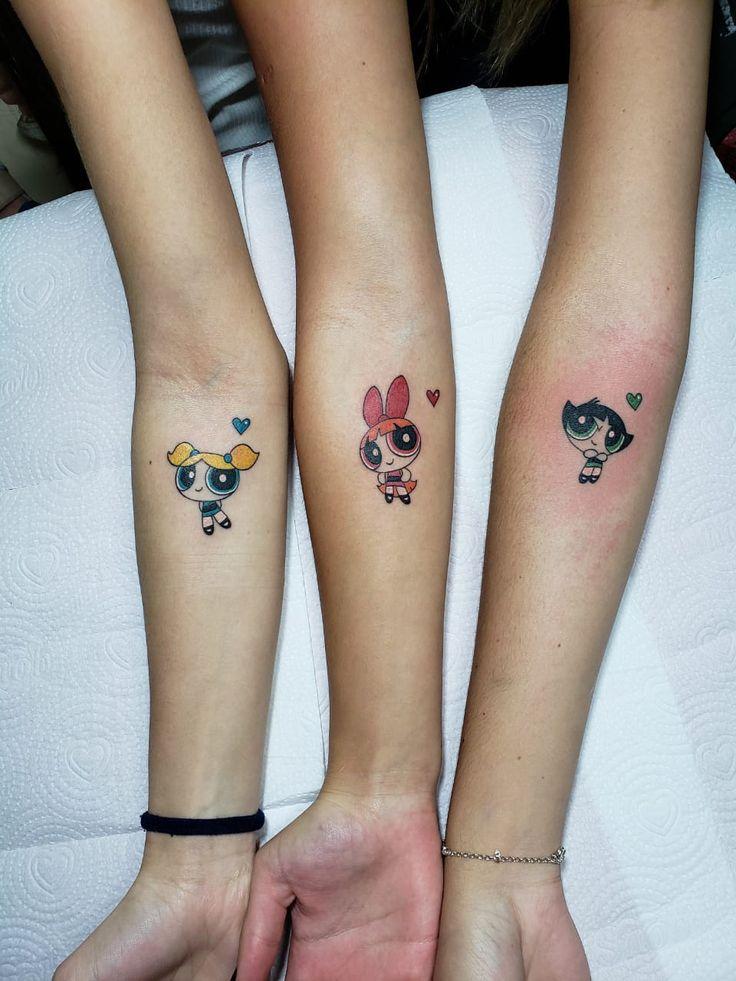 Tatuagens de amigas irmãs em 2020 | Tatuagens de amigas irmãs, Tatuagem feminina para amigas, Tatuagem amigos